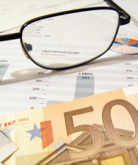 EUR/USD Daily April 23 – Solid PMIs Push Euro Higher